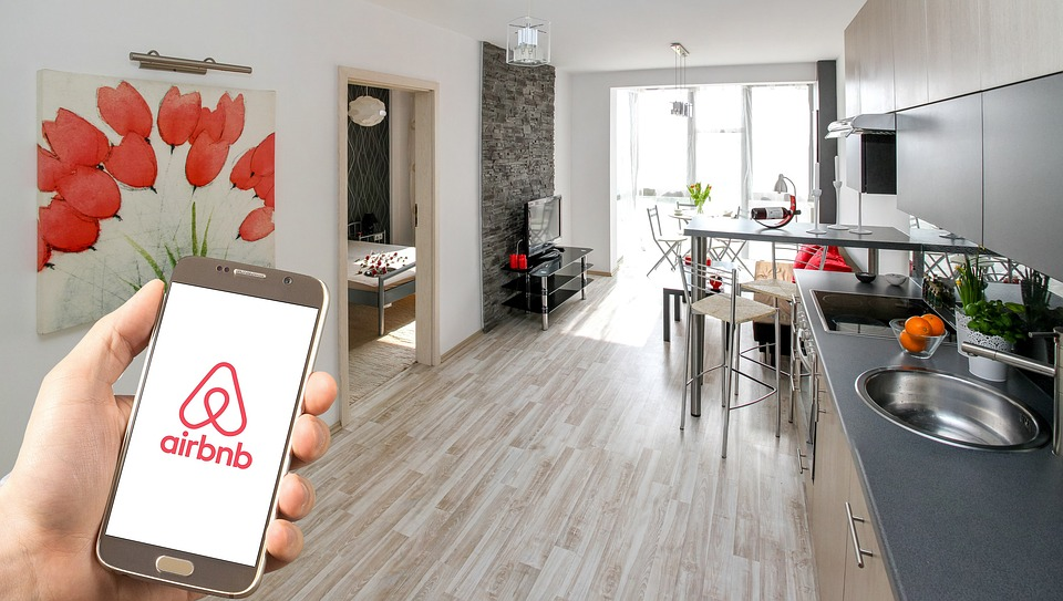 Homeowners, Now You Can Earn Something on the Side by Renting Out a Room with Airbnb